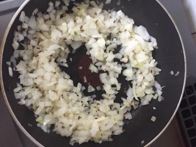 ガネーシュスタッフの「私もできた!ダール・豆と野菜のカリー」_e0145685_16183990.jpg