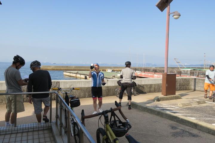 早朝サイクリング_c0132901_1922877.jpg