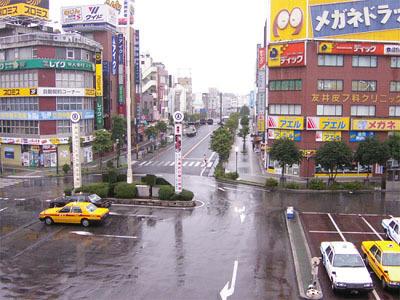 ヤフー japanのトップの猥雑さが日本人の美的センスの欠如を体現している_b0163004_06280395.jpg