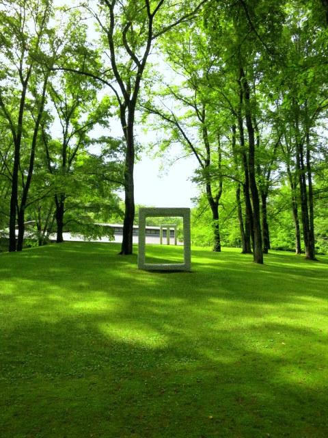 町民美術館の日*「セゾン現代美術館」で森林浴♪_f0236260_3344136.jpg