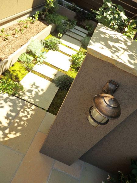 お庭伺い O&K-House_f0141971_1892332.jpg