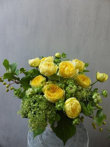 オークリーフ(バラと紫陽花と山帰来の実)_f0049672_1520621.jpg