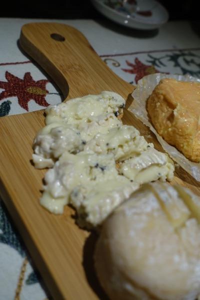 今度は珍しいチーズに出会う_d0133485_1349569.jpg