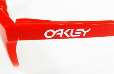 OAKLEYライフスタイルサングラスFROGSKINS(フロッグスキン)アジアフィットスペシャルカラー入荷!_c0003493_11395012.jpg