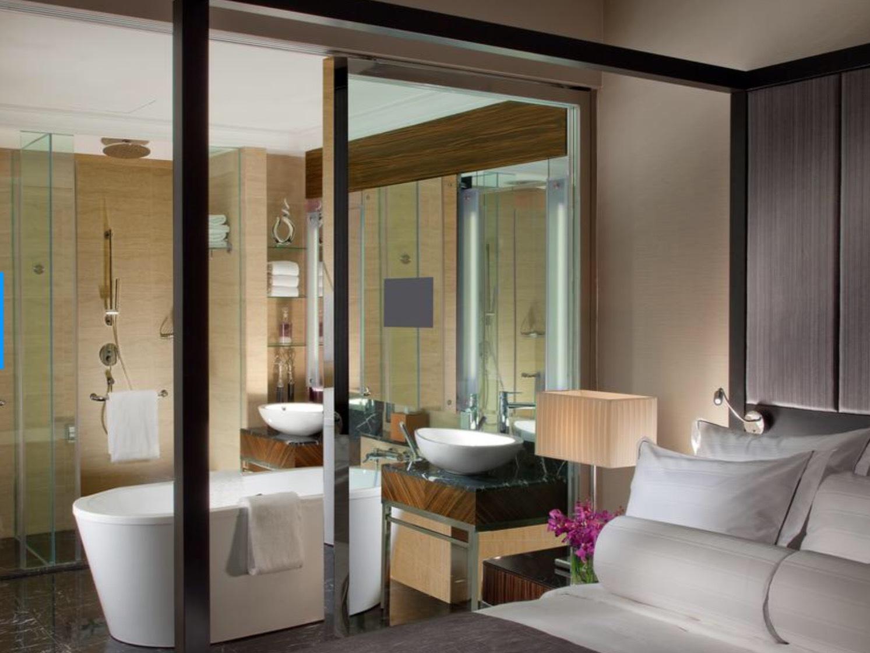 こんなホテルを選んでみました。_b0210699_05064388.jpeg