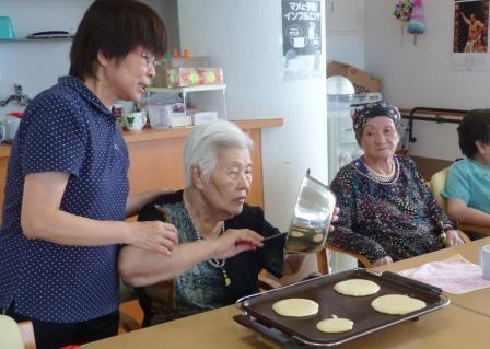 【レク】ホットケーキ作り&テーブルホッケー_d0163307_17284076.jpg