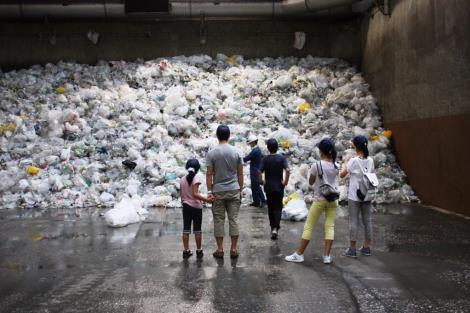 リサイクル施設ツアー もうちょっと写真アップしまーす_a0259130_223084.jpg