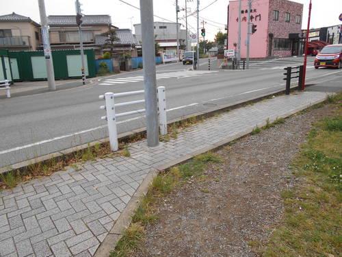 歩道の拡幅_a0162505_16533194.jpg