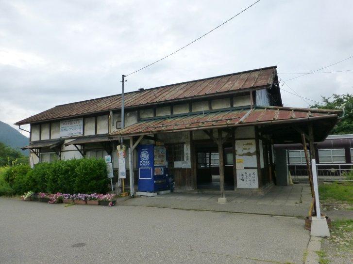 駅舎_c0051620_8134896.jpg