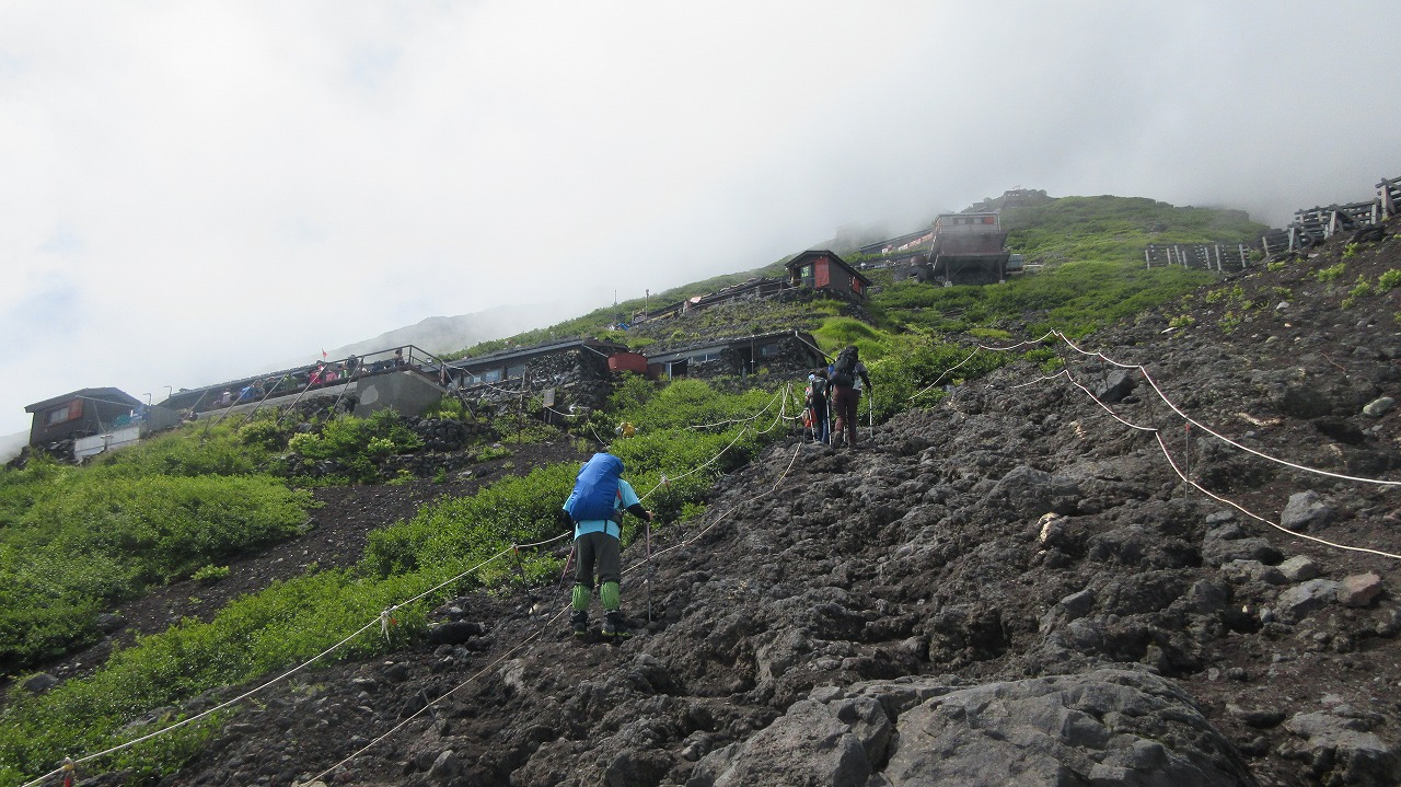 還暦富士登山  富士山ホテルに宿泊先変更_b0163804_20124099.jpg
