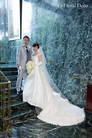 カップ咲のバラのキャスケードブーケ ホテル椿山荘さんへ_b0113510_15190236.jpg
