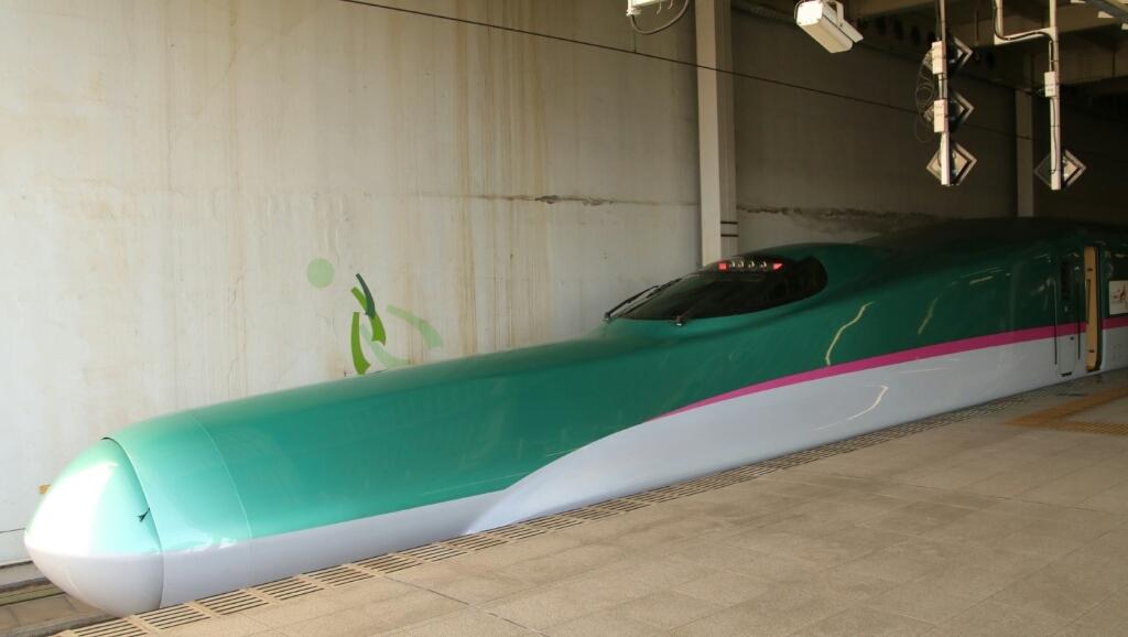 仙台駅 到着  E5系  はやぶさ_d0202264_20564259.jpg