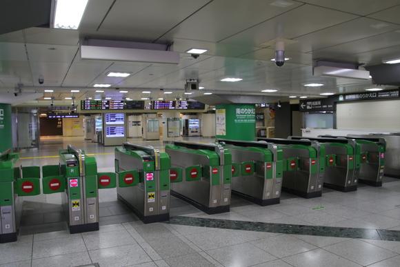 東京の朝・・ JR東京駅_d0202264_728863.jpg