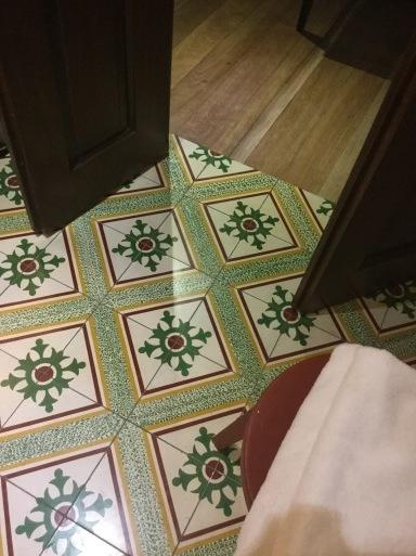 clonial roomに移動_b0210699_19233283.jpeg