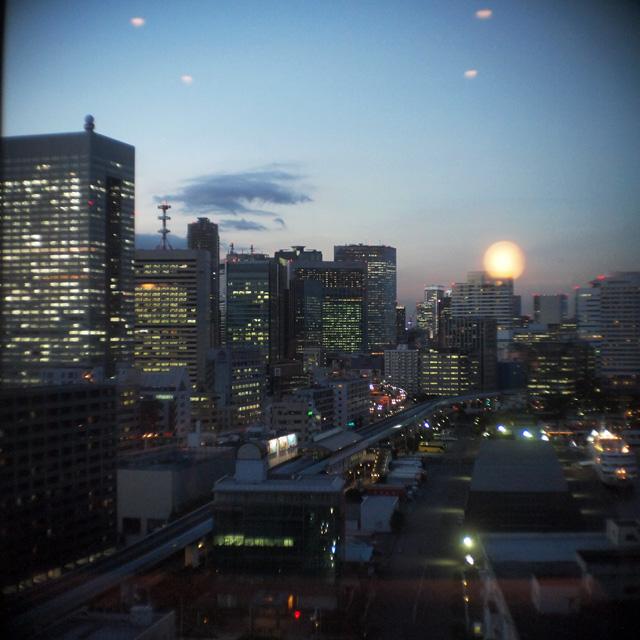 芝浦の夜は2800ケルビンで暮れゆく_b0058021_212228100.jpg