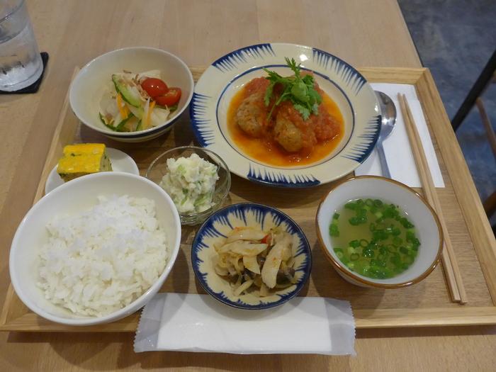 西荻窪「ノムカフェ」へ行く。_f0232060_14232924.jpg