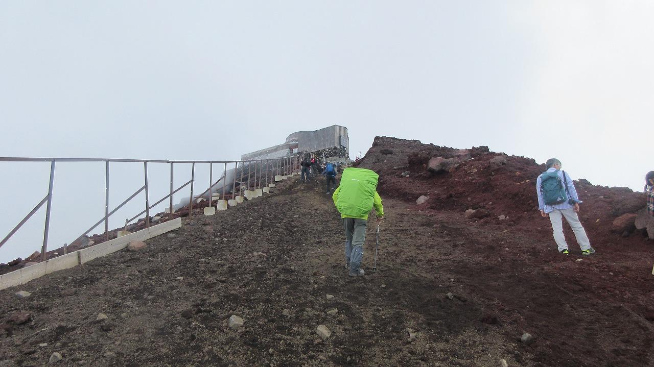 還暦富士登山 日本最高峰剣峰3776m12時間30分_b0163804_19134548.jpg