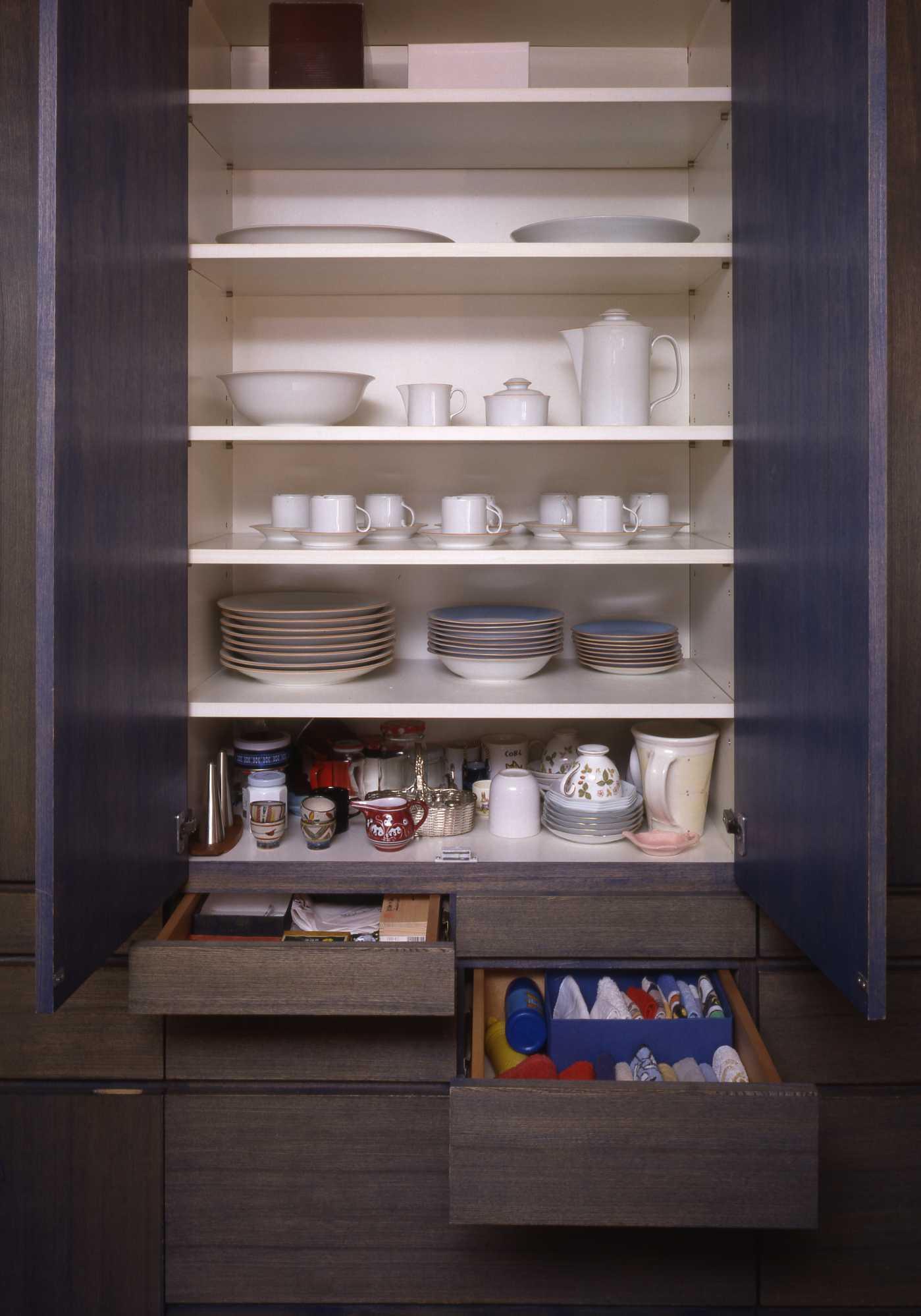 キッチンは収納設計_c0070136_10223828.jpg