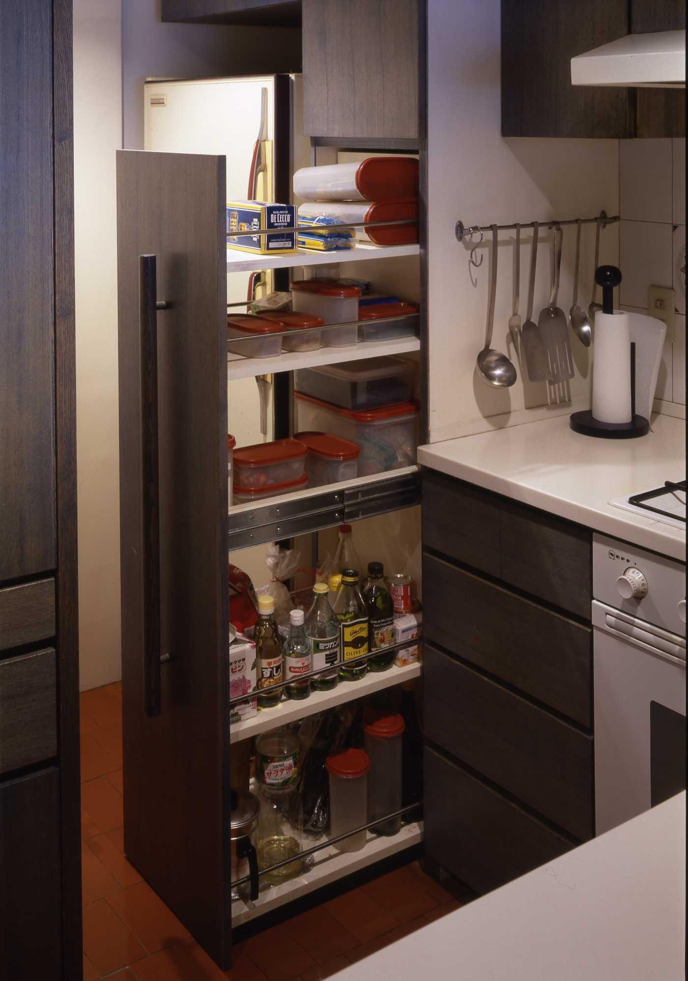 キッチンは収納設計_c0070136_10224198.jpg