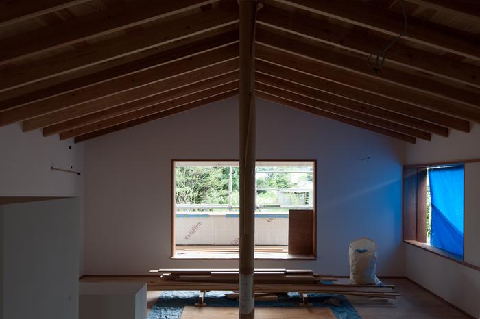 白い壁と垂木と少しの開口_d0122640_10492069.jpg