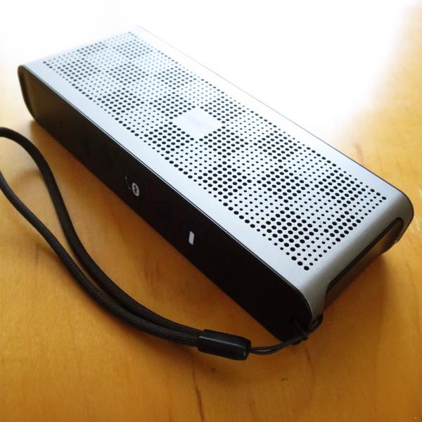 【AD】 濡れる場所でも高品質の音を!防水Bluetoothスピーカー_c0060143_23451171.jpg