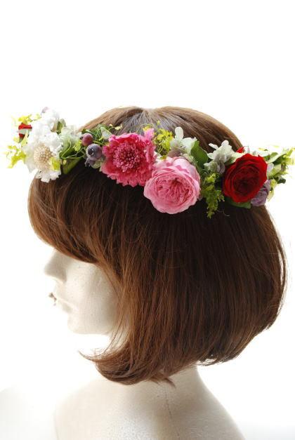 花冠 オールドローズとスカビオサで!_a0136507_21330450.jpg