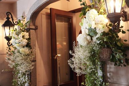 夏の装花 シェ松尾青山サロン様へ 白と緑の装花、梅ではなく青りんごで_a0042928_16105765.jpg