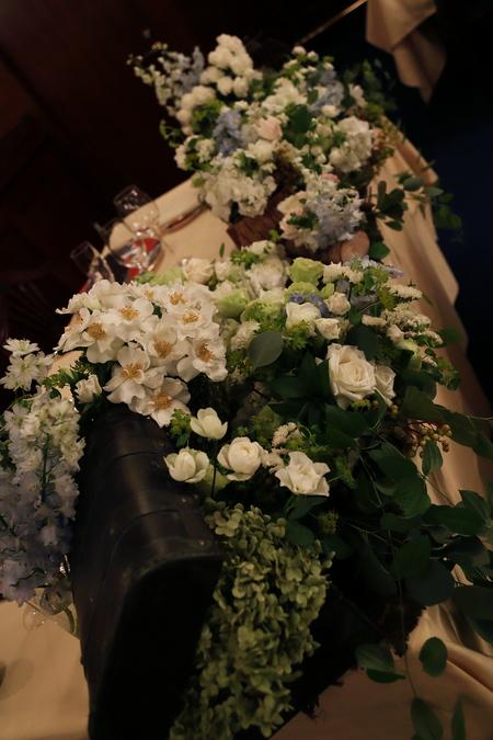 夏の装花 シェ松尾青山サロン様へ 白と緑の装花、梅ではなく青りんごで_a0042928_1625333.jpg