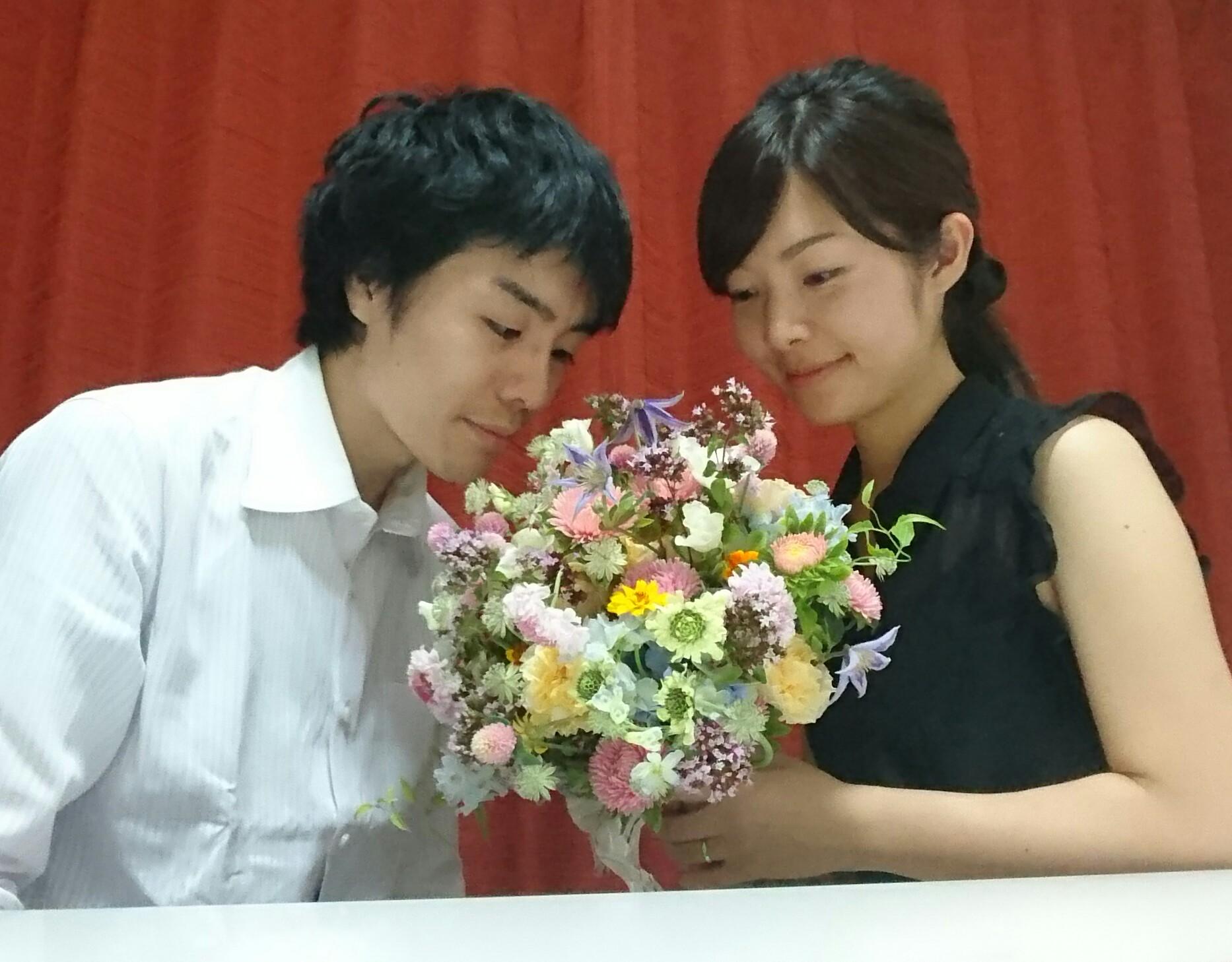 1年目の結婚記念に、奥様へ、花束を ずっと未来に残る、結婚式の花を_a0042928_17301636.jpg