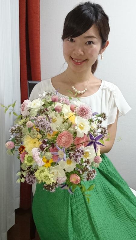 1年目の結婚記念に、奥様へ、花束を ずっと未来に残る、結婚式の花を_a0042928_17403236.jpg