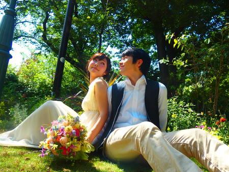 1年目の結婚記念に、奥様へ、花束を ずっと未来に残る、結婚式の花を_a0042928_17431525.jpg