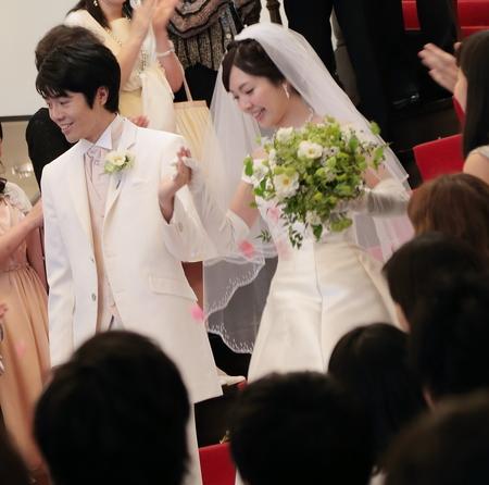 1年目の結婚記念に、奥様へ、花束を ずっと未来に残る、結婚式の花を_a0042928_17434343.jpg