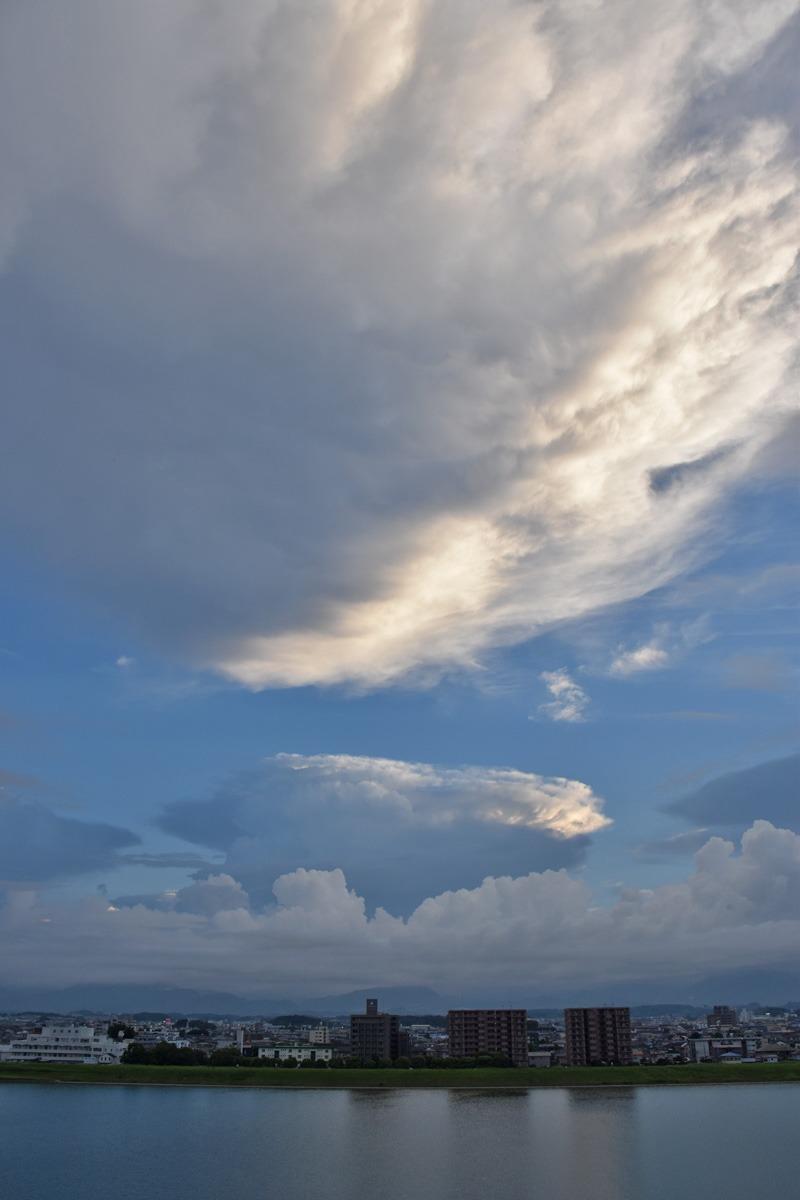 朝んぽと、すてきな雲祭り♪ (*^_^*)_c0049299_22161151.jpg