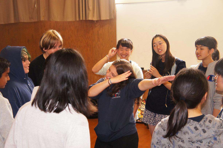 2016 29th 8/9(火)コールトン中学校訪問と歴史的名所_f0205780_08000653.jpg