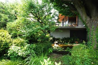 吉村順三設計の湘南茅ヶ崎の家に行きました。_c0195909_1211138.jpg