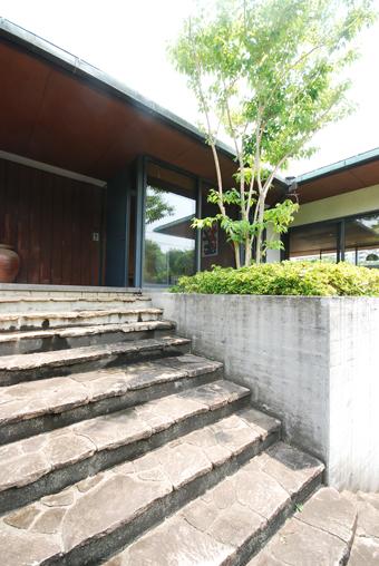 吉村順三設計の湘南茅ヶ崎の家に行きました。_c0195909_1212085.jpg