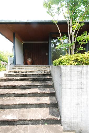 吉村順三設計の湘南茅ヶ崎の家に行きました。_c0195909_1212538.jpg