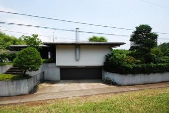 吉村順三設計の湘南茅ヶ崎の家に行きました。_c0195909_1213519.jpg