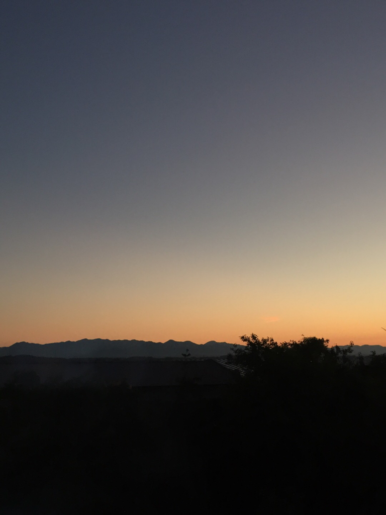 綺麗な朝焼けです。_e0148212_06484816.jpg