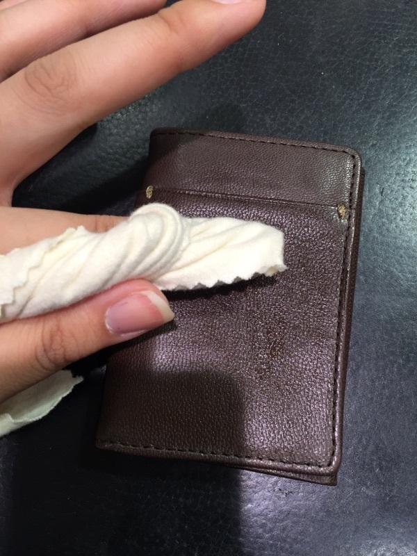 買ったばかりの革小物のケアって…?_b0226322_16101567.jpg