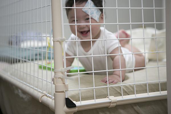 ベッドの赤ちゃん用柵_c0092152_03174668.jpg