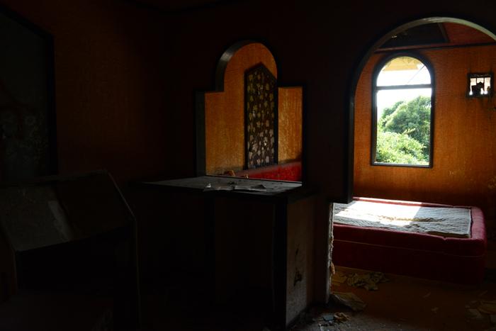 ラブホテル廃墟写真・ホテル活魚(千葉県東金市)_e0171573_21284522.jpg