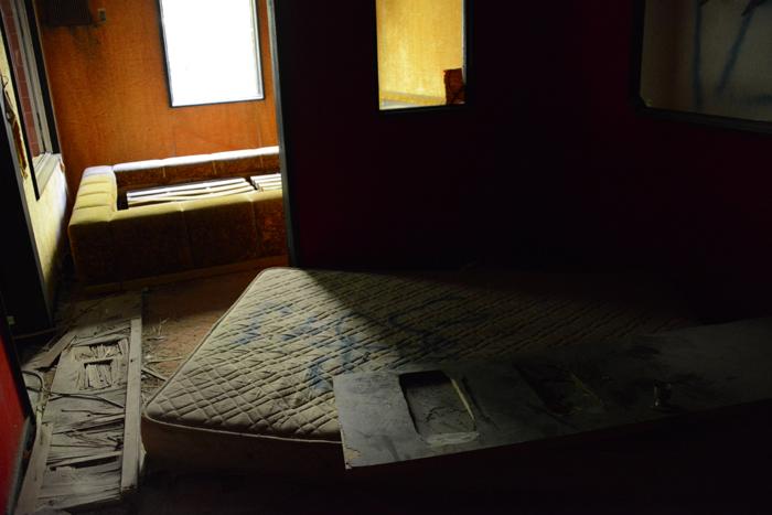 ラブホテル廃墟写真・ホテル活魚(千葉県東金市)_e0171573_21291294.jpg