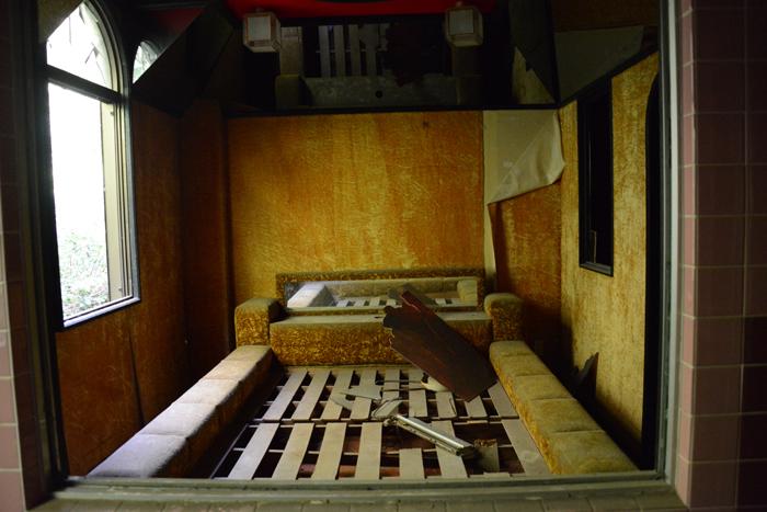 ラブホテル廃墟写真・ホテル活魚(千葉県東金市)_e0171573_21291985.jpg
