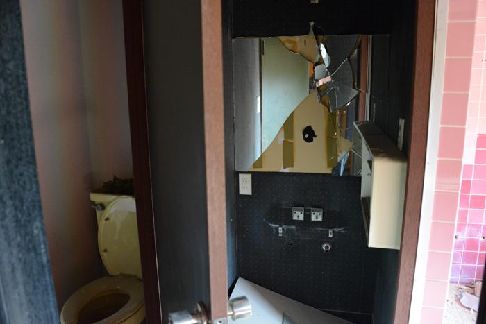ラブホテル廃墟写真・ホテル活魚(千葉県東金市)_e0171573_21295836.jpg