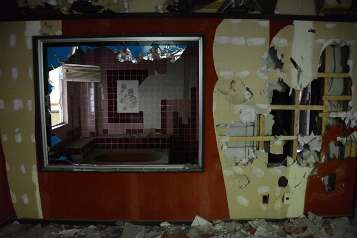 ラブホテル廃墟写真・ホテル活魚(千葉県東金市)_e0171573_21311367.jpg