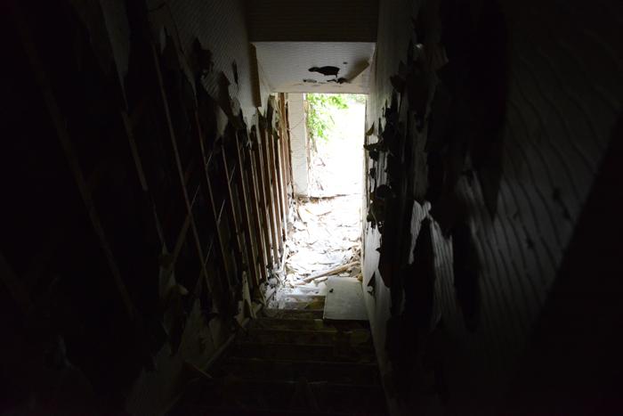 ラブホテル廃墟写真・ホテル活魚(千葉県東金市)_e0171573_2132947.jpg