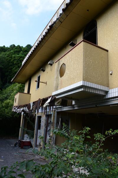ラブホテル廃墟写真・ホテル活魚(千葉県東金市)_e0171573_21333036.jpg