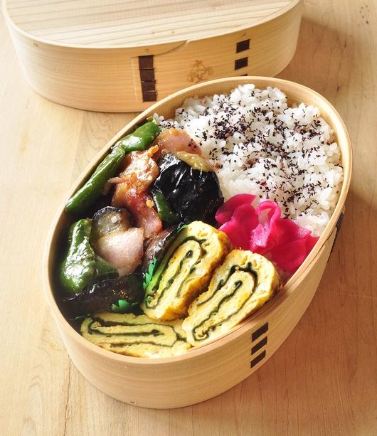 夏野菜の味噌炒め弁当_b0171098_1005952.jpg