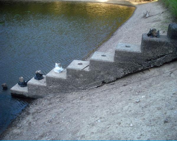 ため池の水抜き栓をつくる_c0081499_20482177.jpg